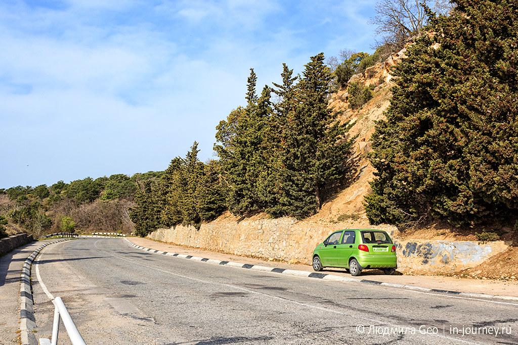 парковка у Ласточкиного гнезда в Крыму
