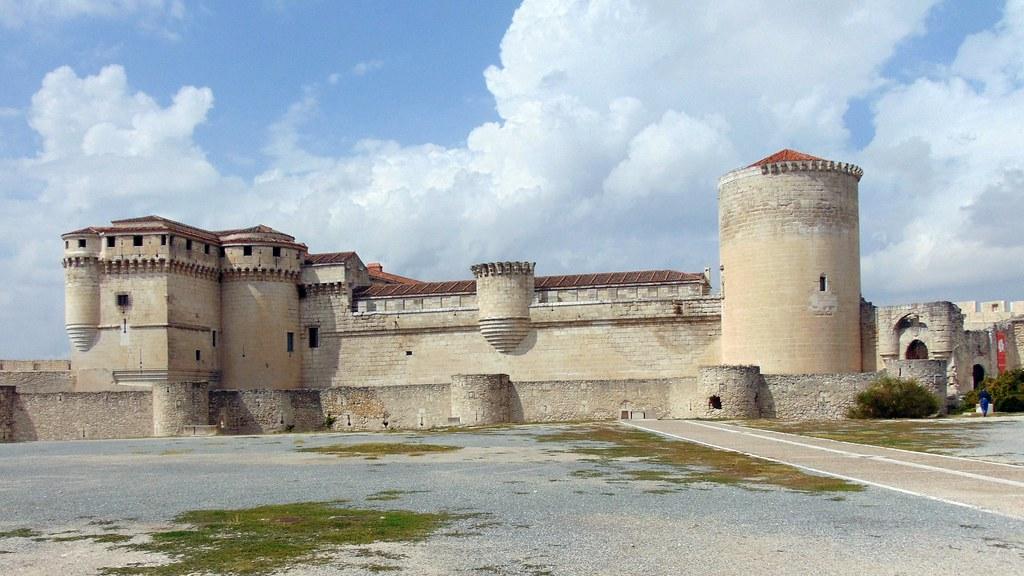 Castillo de Cu\xe9llar (Segovia)
