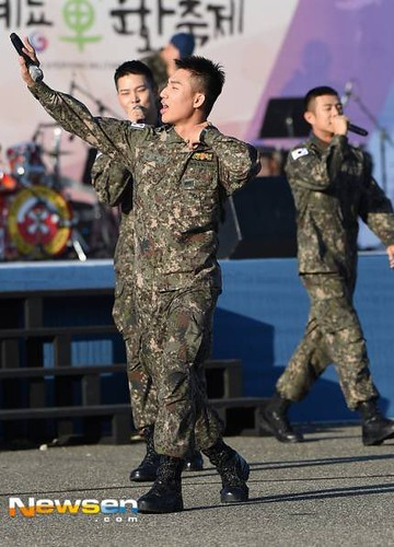 Taeyang Daesung Ground Forces Festival 2018-10-08 Day 3 (13)