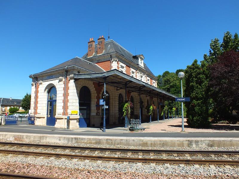 [102-074] Figeac - Gare ferroviaire (Place de la Gare)