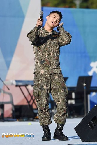 Taeyang Daesung Ground Forces Festival 2018-10-08 Day 3 (17)