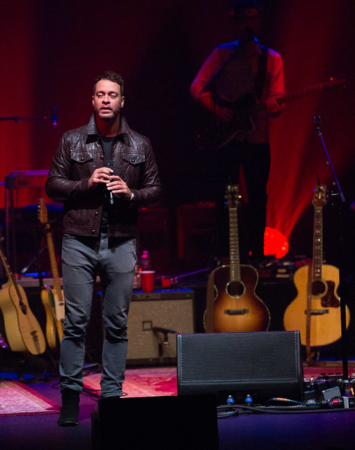 Amos Lee in Concert