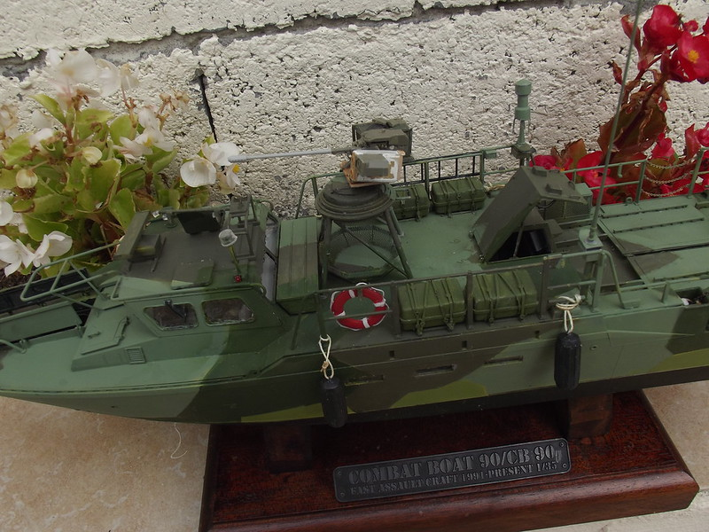 Combat Boat CB 90 Tiger Model 1/35 figurines scratch - Page 2 45027019392_976cf5f415_c