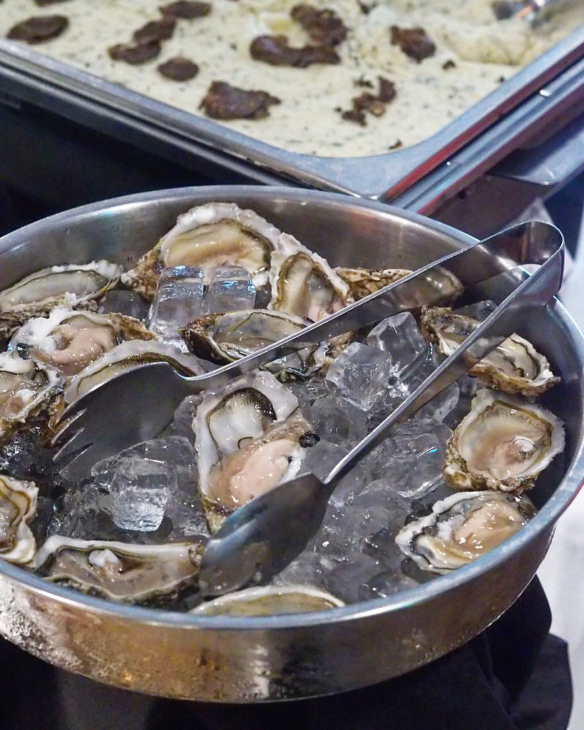 Fin De Claire Oysters