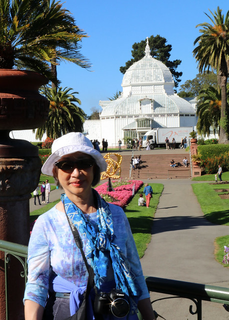 Melody with Conservatory of Flowers building in background in San Francisco's Golden Gate Park 181006-152658 cw80 C5