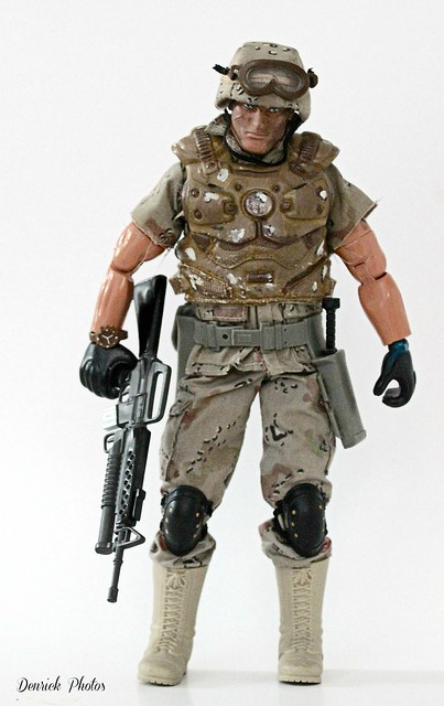 Action man figurine., Canon EOS 550D, Canon EF 70-200mm f/4L IS