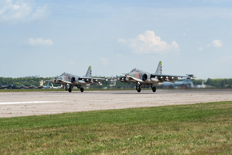 Sukhoi_Su-25SM_RF-93885_28red_Russia-Airforce_064_D801304