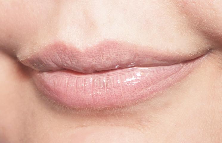 bite beauty french press lip gloss in flat white (1)