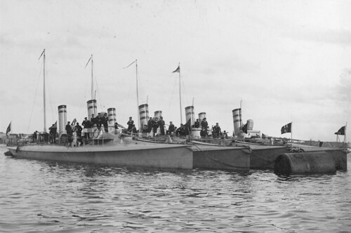 Norwegian First Class Torpedo Boat Brand (1899–1940, on the left with three sisters) in Kiel 1900, later German torpedo boat Tarantel, NB19 and V5519 (1940–1945), scrapped in 1945.