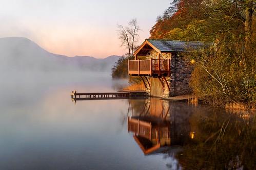 ullswater cumbria lakedistrict englishlakes boathouse lake water sunset sunrise colour refelctions stillness autumn