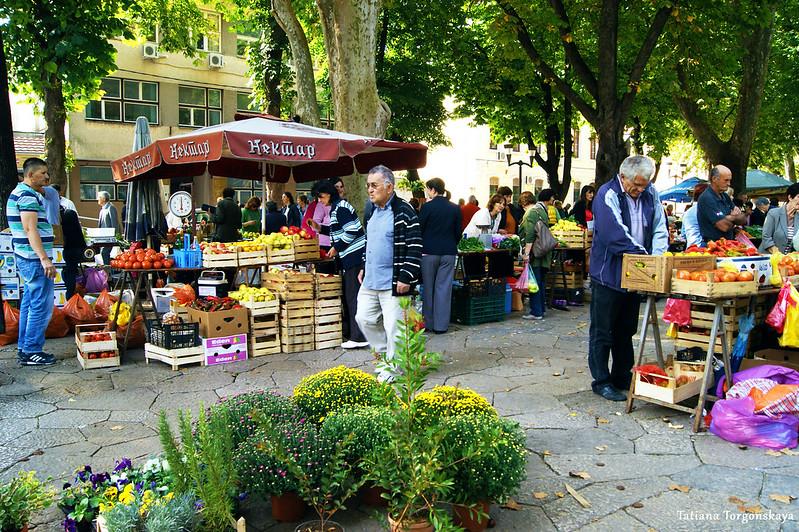 На рынке города Требине