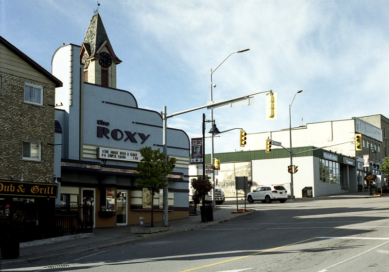 Roxy on the Corner