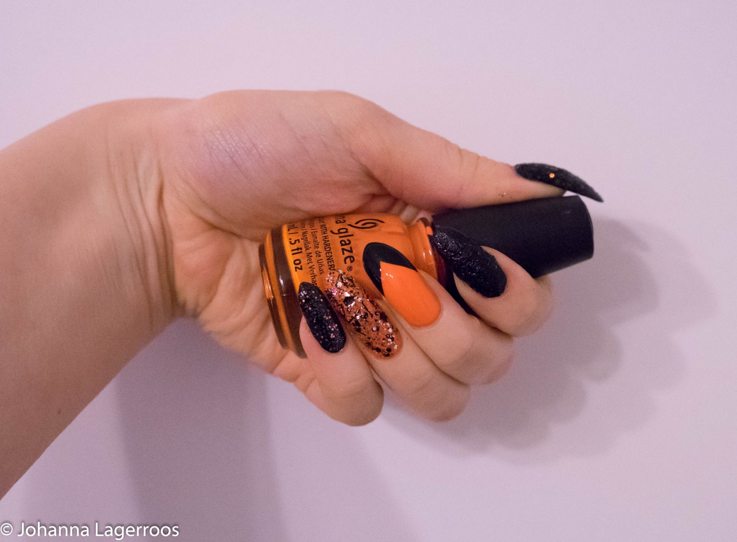 orange halloween mani