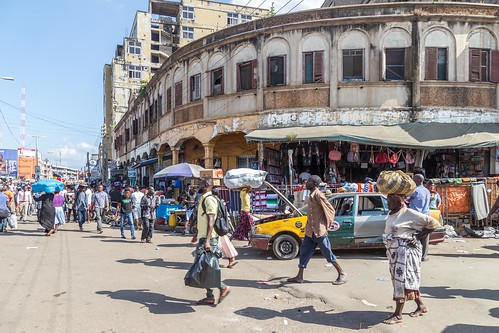 ghana kumasi market street taxi ashanti gh