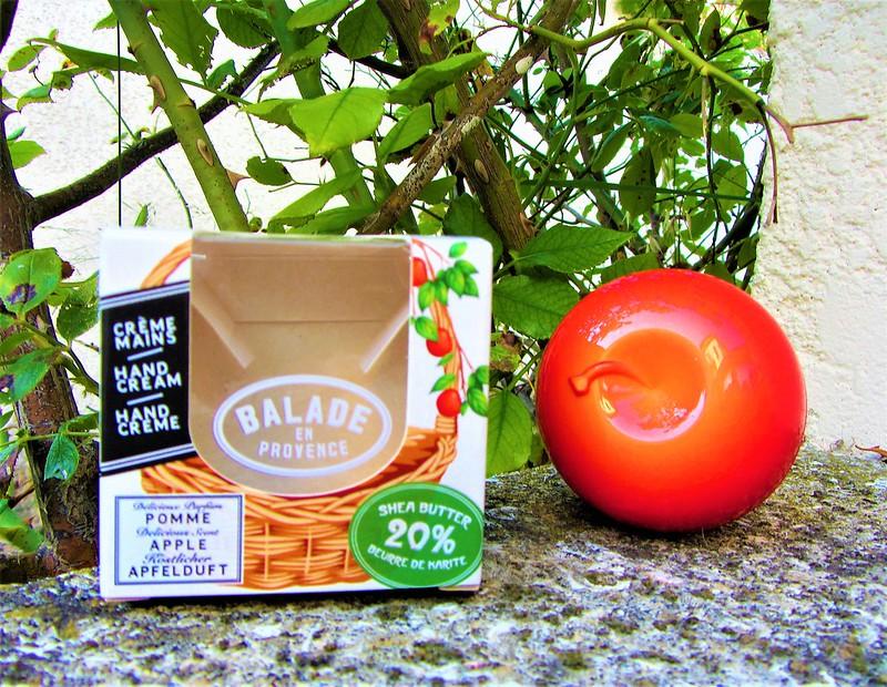 balade-en-provence-creme-mains-pomme-thecityandbeauty.wordpress.com-blog-beaute-femme-IMG_1386 (3)