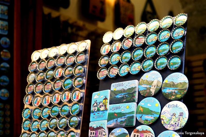 Магниты из которского сувенирного магазина
