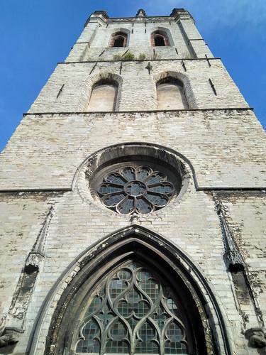 Visitando Sint-Geertruikerk