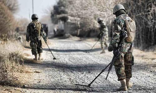Military-Demining-CC-Isafmedia