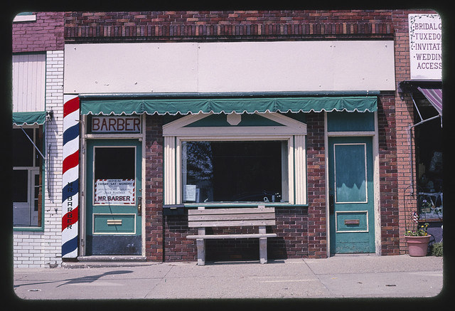 Mr. Barber (shop), Madison Street, Bloomfield, Iowa (LOC)