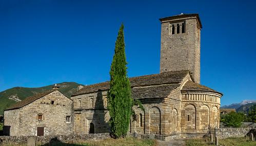 LARREDE Iglesia de San Pedro