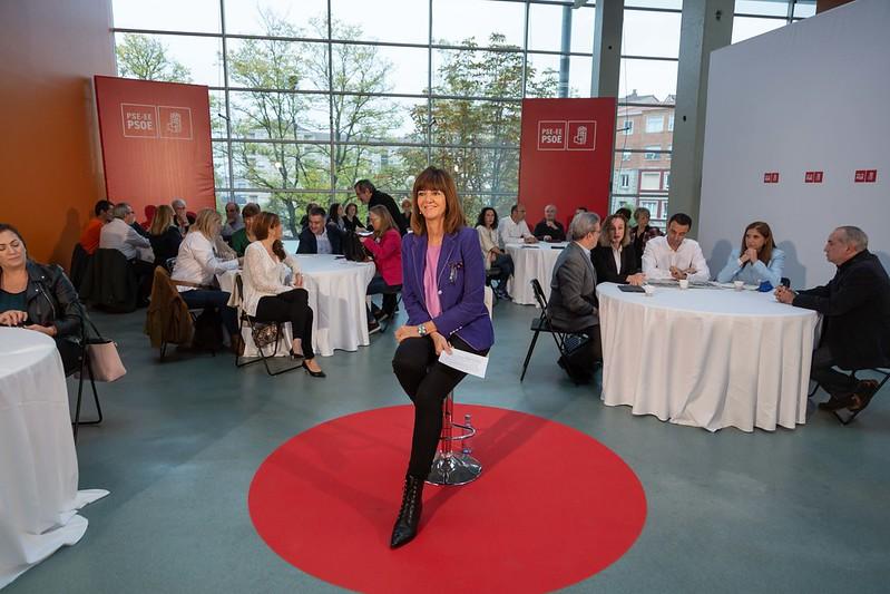 Jornada de trabajo con cargos del Gobierno Vasco