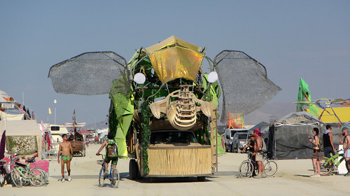 Elephant Art Car (0156)