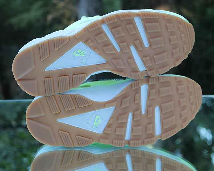 3ac4e47ae478 ... Nike Air Huarache Run Women s Barely Volt Gum 634835-702 Size 7.5
