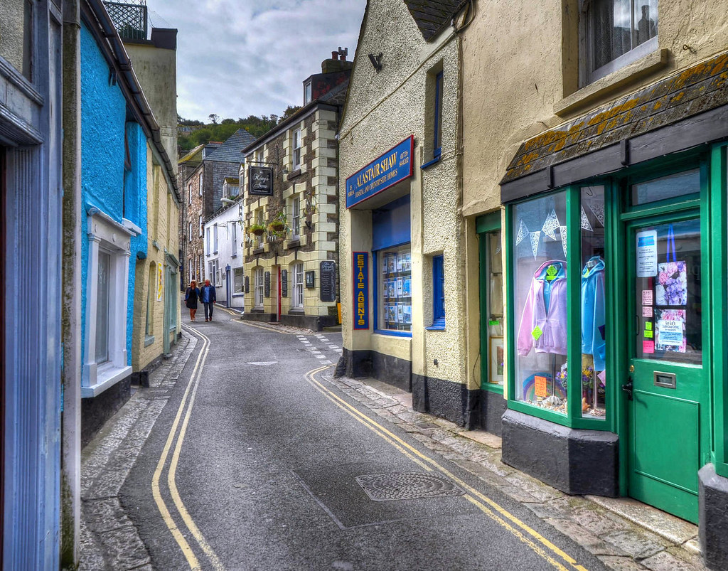 The narrow streets of Mevagissey, Cornwall. Credit Baz Richardson, flickr