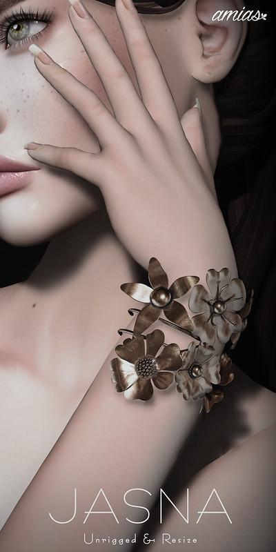 JASNA bracelet @ Blush