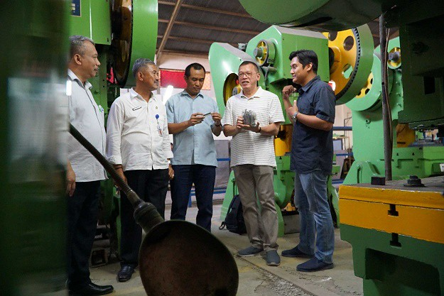 Grup Astra Kunjungi UKM Manufaktur Mitra YDBA di Tegal