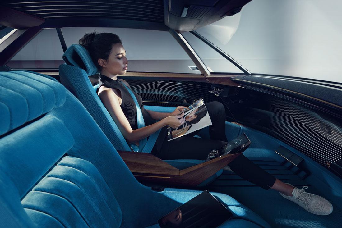 2018092024_Peugeot_E-Legend