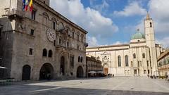 Ascoli Piceno. Piazza