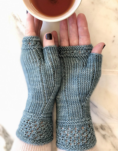 Boardwalk Stroll Mitts by Jennifer Shiels Toland