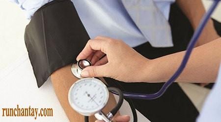 Tụt huyết áp tư thế khá phổ biến ở người Parkinson