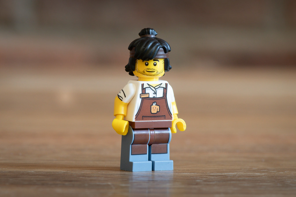 bean-there-donut-that-40358-minifig