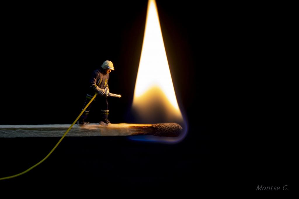 CR10 CR17 Maud (España) - Apagando el fuego - Tomada en Mollet del Vallés el 18-04-18