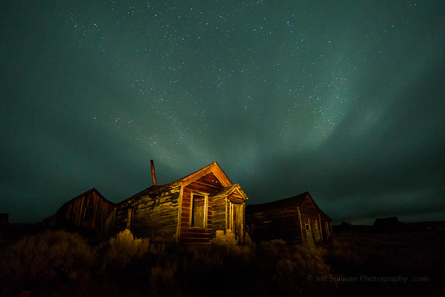 Moving Clouds and Airglow