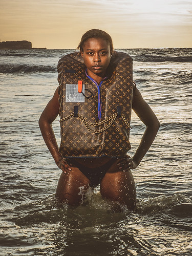 Lifejacket-Vuitton-light