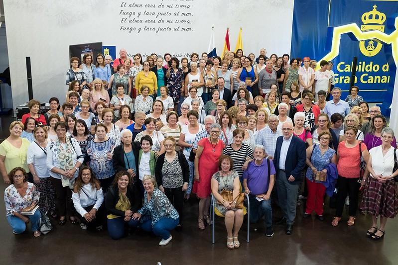 Las Mujeres del Empaquetado de Tomates presentan un libro de testimonios de trabajadoras del sector en Gran Canaria
