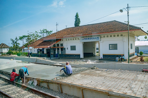 station stasiun railway keretaapi indonesia jawa java dutch heritage building architecture jawatengah centraljava