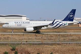 HZ-AS83 A320 260918 TLS