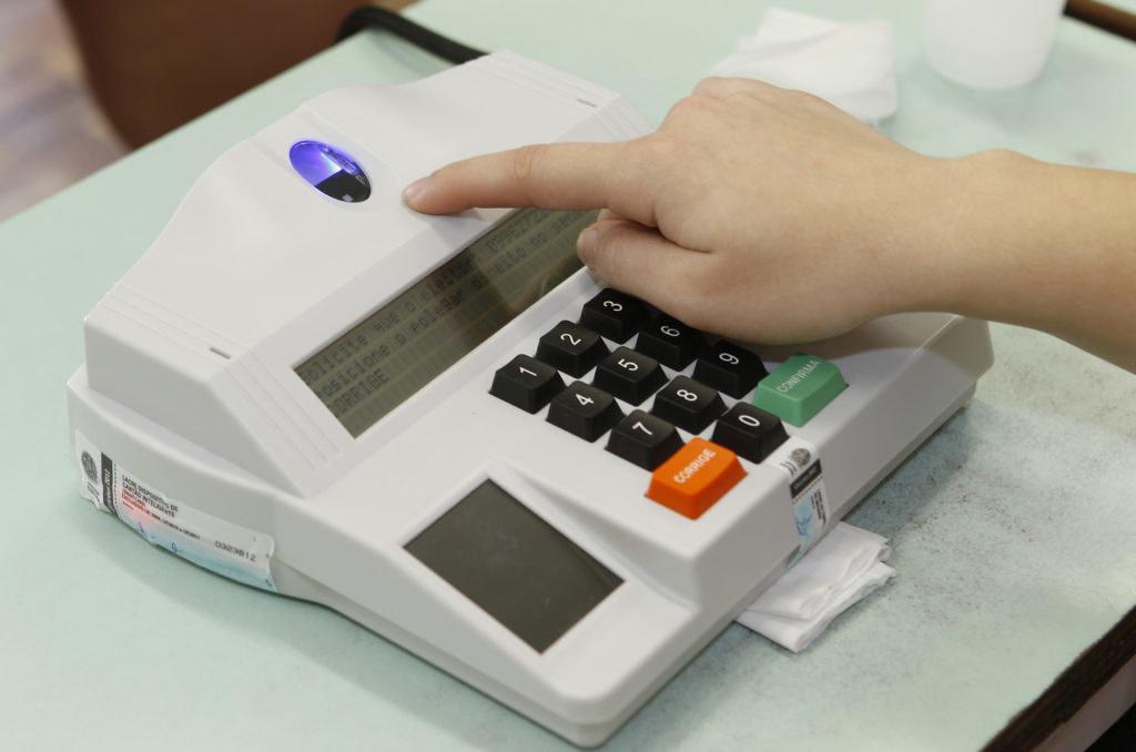 O previsto e a votação nas urnas: deputado federal e estadual no Pará. Por Alan Lemos, Votação biométrica
