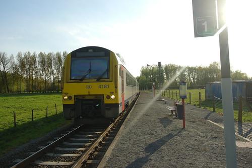 MW'41 4181 te station Vijfhuizen/ AR41 4181 a la gare de Vijfhuizen
