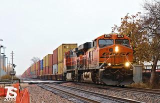 BNSF 6375 Leads EB Intermodal Olathe, KS 11-4-18
