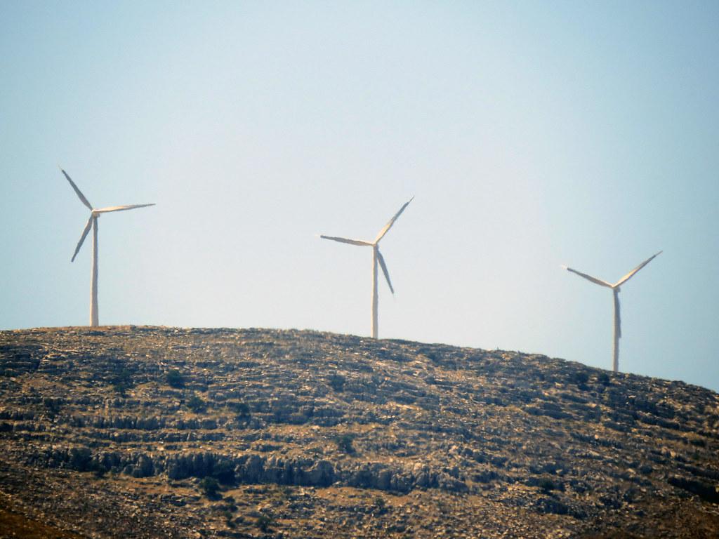 Ветроэлектростанция на горе Атавирос