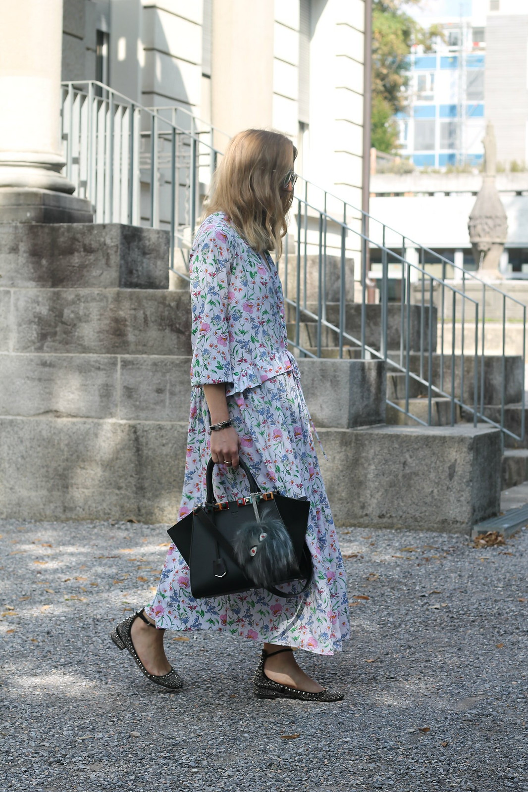 floral-maxidress-whole-outfit-side-wiebkembg