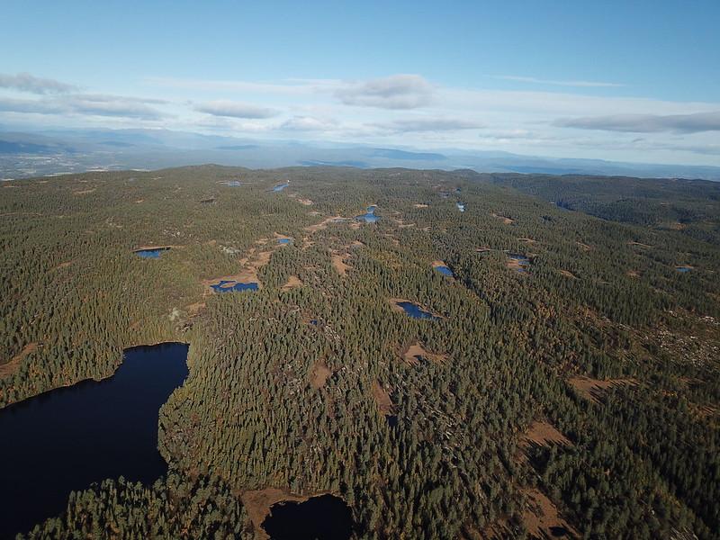 22-Hovlandsfjell fra Flagervann (drone)