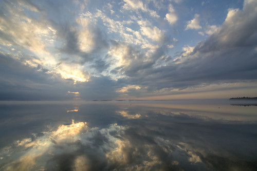 sunrise ottawariver constancebay october clouds reflections