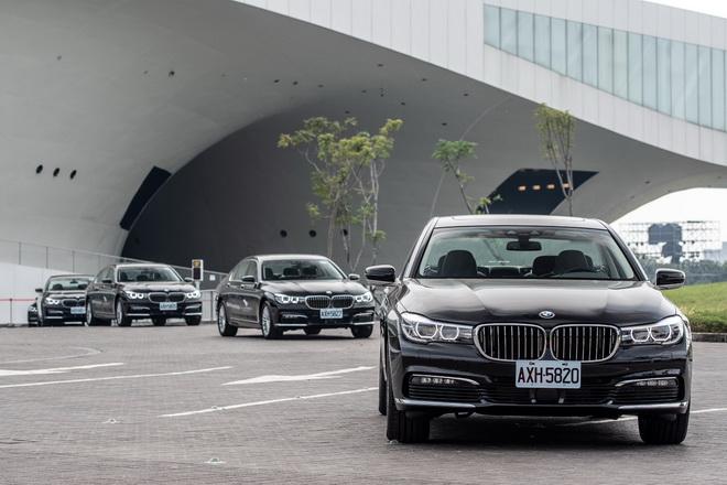 [新聞照片一] BMW總代理汎德為「衛武營國家藝術文化中心」開幕季禮賓用車贊助夥伴!