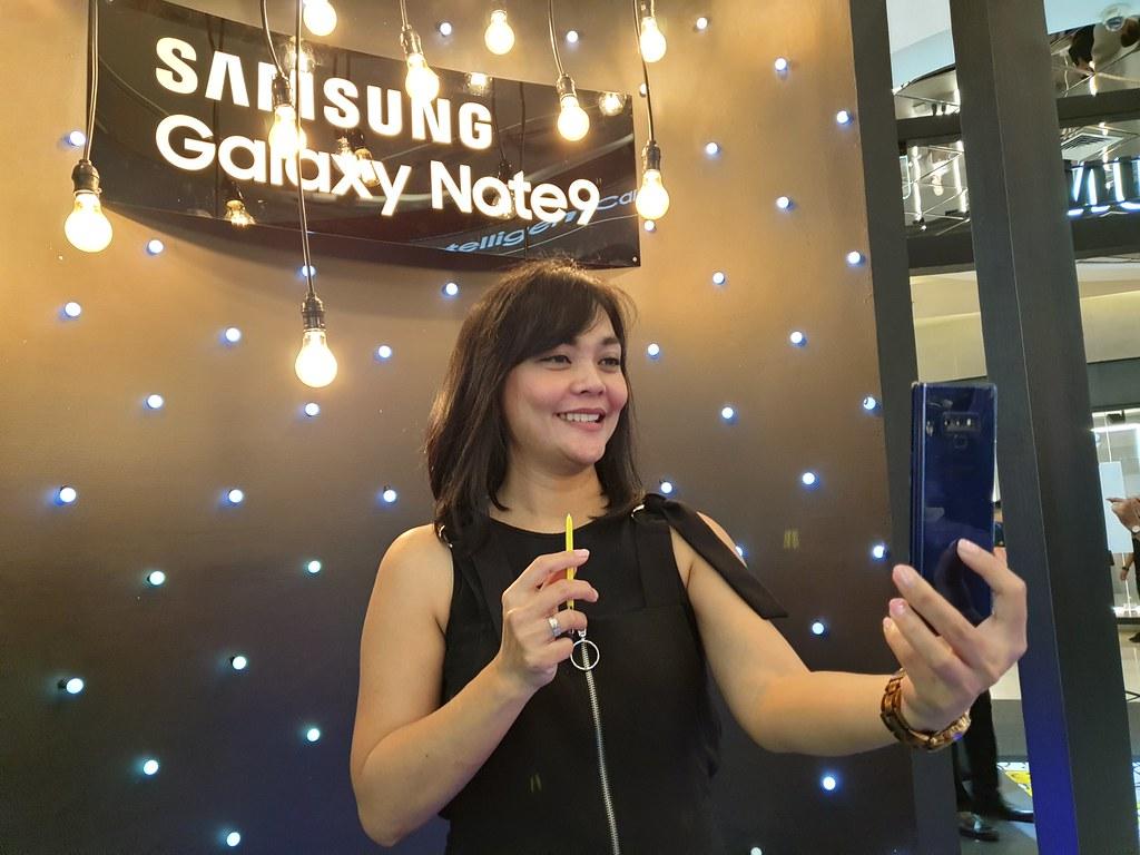 Selfie menggunakan S Pen di Galaxy Note9